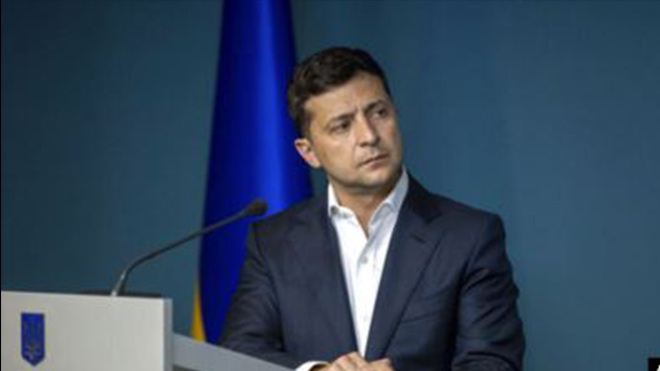 На Зеленского подали в суд: сумма иска впечатляет