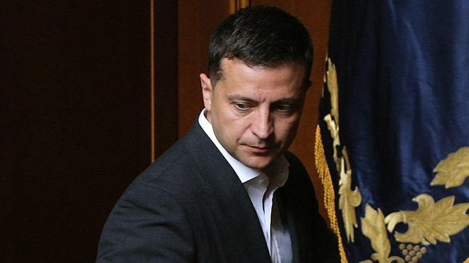 Зеленский не исключил роспуск Рады из-за скандала с КСУ