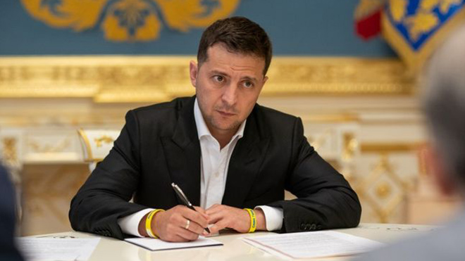 Указы подписаны! Зеленский уволил топ-чиновника и близкого соратника