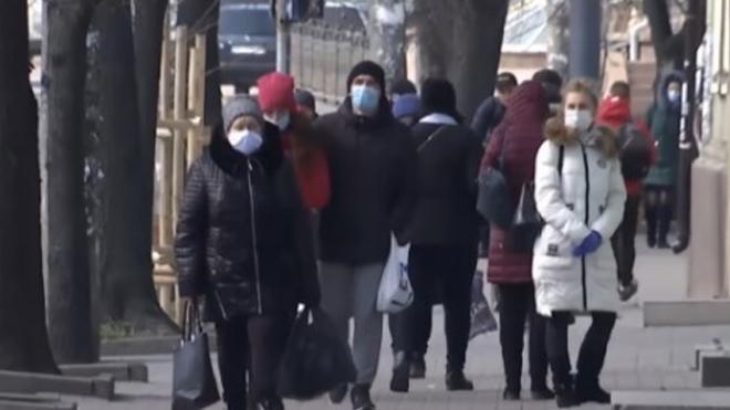 Карантин в Украине не отменят: сколько нам придется носить маски