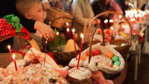 Уже официально: на Пасху запрещено ходить с корзиной и святить паску в церкви