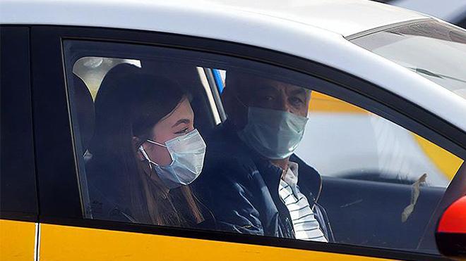 Водителю в машине одевать маску или нет: в Нацполиции дали ответ