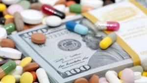 """Украинцам продают """"лекарства"""" от коронавируса и заговоры на здоровье: как зарабатывают на пандемии"""