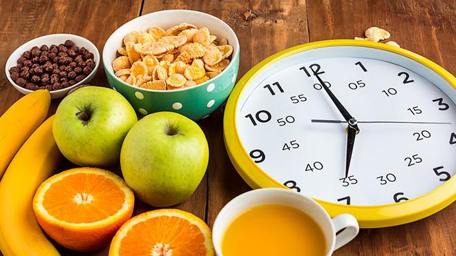 Диетолог назвала оптимальный перерыв между приемами пищи