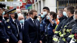 Макрон выступил с заявлением после вооруженных нападений во Франции