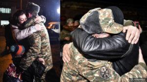 Արցախից արձակուրդ եկած զինծառայողներին ծափերով դիմավորեցին հավաքակայանում