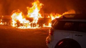 В Киеве неизвестные сожгли машину «слуги народа»