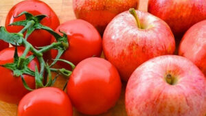 Россия запретит импорт яблок и томатов из Азербайджана