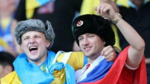 В сети появилось видео драка из-за Российского флага на матче Швеция-Украина